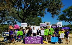 group-pic-from-usda-rally